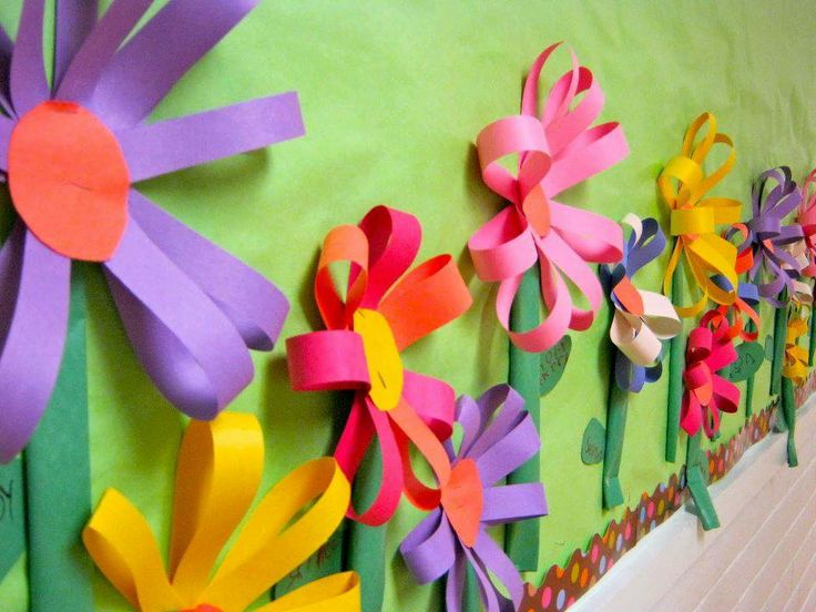 mural com flores de papel