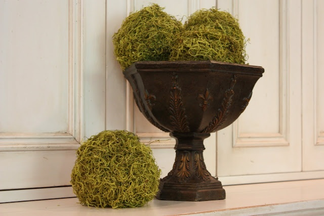 DIY Moss Balls: Diy Moss, Building, Home Projects, Moss Ball, Diy Tutorials, Projects Ideas, Yellow Capes Cod, Crafts Stores, Diy Projects