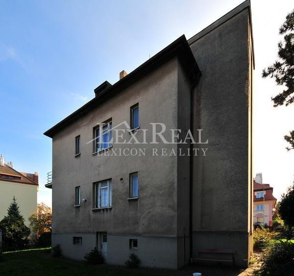 Prodej rodinného domu 430m², Peroutkova, Praha 5 - Smíchov • Sreality.cz