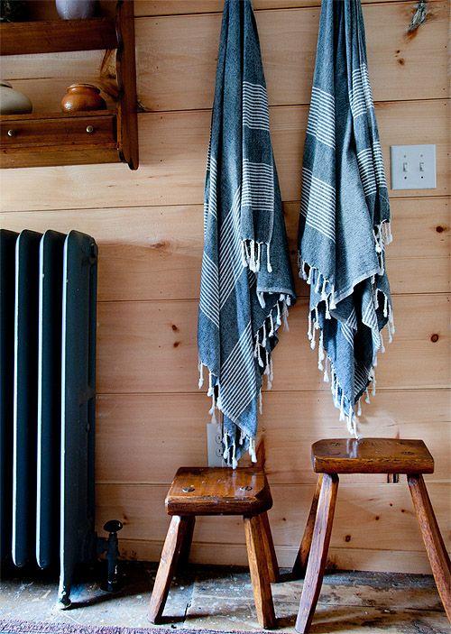 pine plank walls: Decor Ideas, Living Rooms, Bathroom Hooks, Planks Wall, Decorating Ideas, Pine Planks, Lakes Houses, Design Sponge, Stones Houses