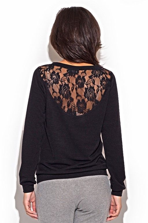 black sweater Women with heart-shaped neckline