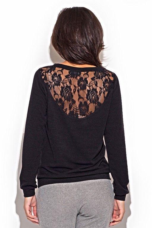 black sweater Women with heart-shaped neckline