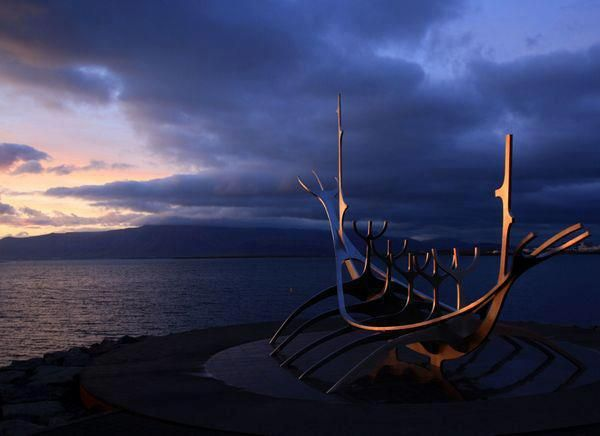 Viking ship, Sea