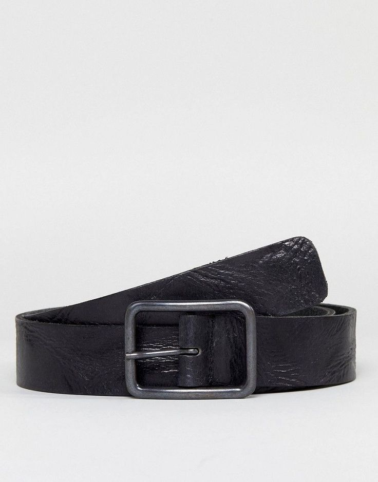 Get this Esprit's basic belt now! Click for more details. Worldwide shipping. Esprit Leather Belt - Black: Belt by Esprit, Leather strap, Adjustable length, Pin buckle closure, Single keeper, Belt fits true to size, Please buy in your normal trouser size, 100% Real Leather. Esprit was founded by Susie and Doug Tompkins from the back of their station wagon in countercultural '60s San Francisco. From these bohemian beginnings, the label has risen to become an iconic international brand…