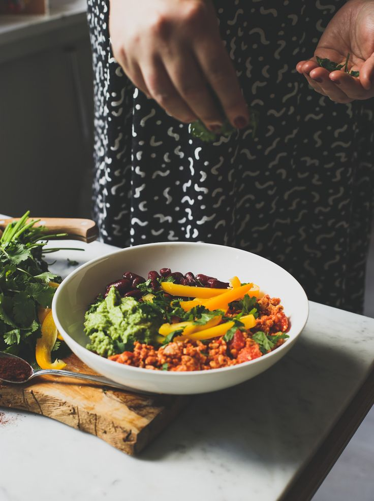 Hoe bereid je tempeh? We delen drie manieren (+ onze favoriete recepten) met jullie.