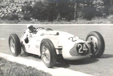 #24 Johnny Claes (B) - Talbot Lago T26C (Talbot 6) 8 (14) Ecurie Belge