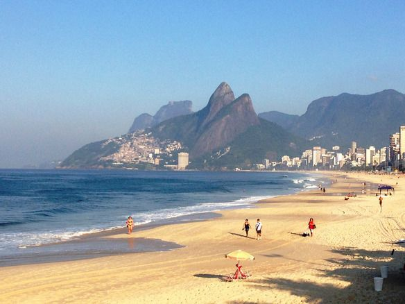 Rio de Janeiro in April is a beach-lovers dream. Who doesn't fantasize about laying out on the warm sand of an empty beach? This is the stuf...