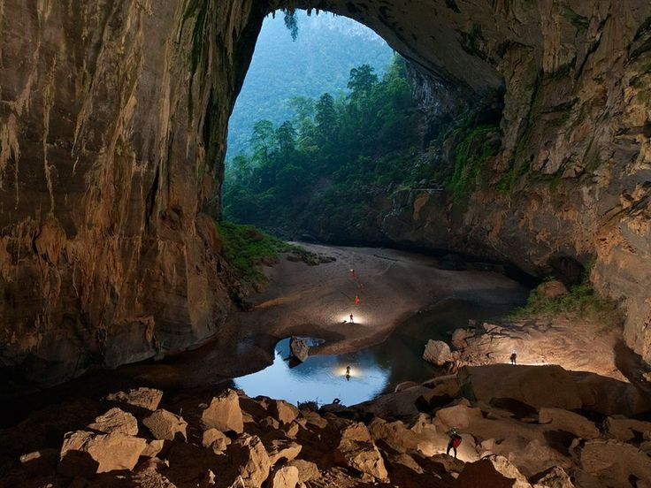 Hang En Cave, Vietnam: Places To Visit, World Largest, National Geographic, Peter O'Tool, Largest Caves, National Parks, Photo, Sons Doong Caves, Cool Places