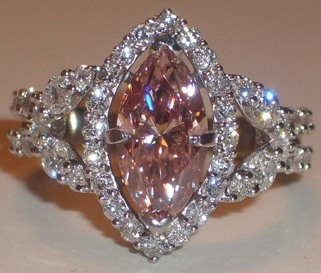 Imagine this with a blue sapphire <3