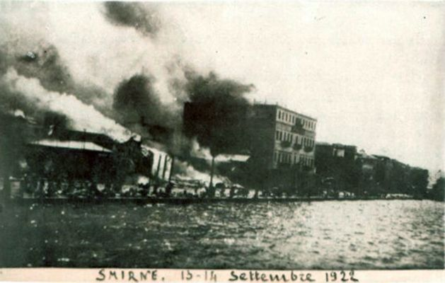 ✿ ❤ Bir zamanlar İzmir, izmir'de buyuk yangin, Smyrna in fire, 1922.