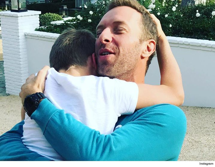 Chris Martin, Gwyneth Paltrow -- We May Be Divorced, But We're Still a Loving Family (PHOTO) - http://blog.clairepeetz.com/chris-martin-gwyneth-paltrow-we-may-be-divorced-but-were-still-a-loving-family-photo/