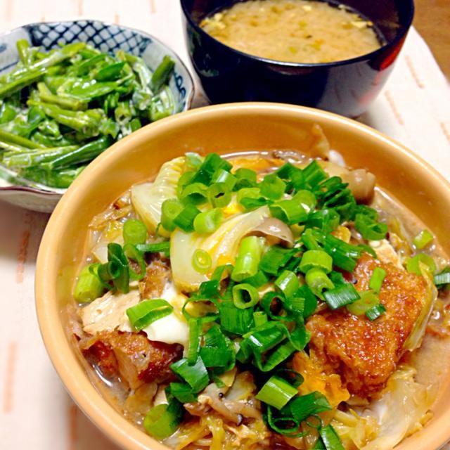 キャベツとしめじと厚揚げをめんつゆ、みりんで煮込み、最後に溶き卵、ネギをかけます。 丼にする時はもう少し濃い目な味付けにするといいとですよ。 他の野菜でもお肉いれてもなんでも美味しいです。 マヨネーズ醤油和えは私の好物で、これも色んな野菜で試しています。 - 47件のもぐもぐ - キャベツとしめじと厚揚げの卵とじ、いんげんと絹さやのマヨネーズ醤油和え、お味噌汁 by BJgeisha