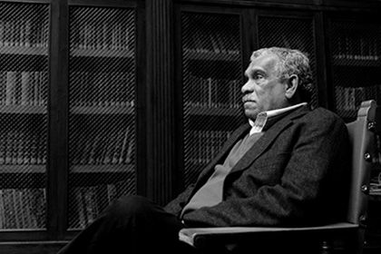 Умер лауреат Нобелевской премии по литературе Дерек Уолкотт http://mnogomerie.ru/2017/03/17/ymer-layreat-nobelevskoi-premii-po-literatyre-derek-yolkott/  Дерек Уолкотт Поэт и драматург, лауреат Нобелевской премии по литературе Дерек Уолкотт скончался в островном государстве Сент-Люсия. Об этом в пятницу, 17 марта, сообщает Associated Press. Литератору было 87 лет. Он умер в своем доме, причина смерти не уточняется. Уолкотт получил Нобелевскую премию в 1992 году с формулировкой «за яркое…