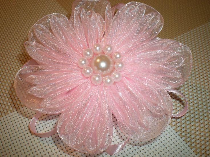 Нежный цветок-резинка для волос из органзы своими руками./ DIY Flowers