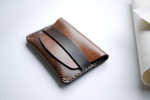 un idea anche per l'uncinetto....Ideas Secreto, Men Accessories, Leather Wallets, Wallets Design, Clutches Bags, Blog, The Band, Clutches Ideas, Fanny Pack