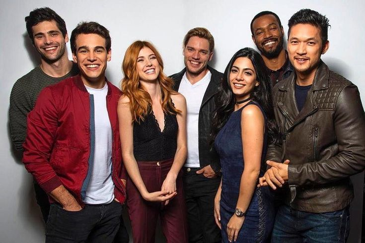 """26.8k Likes, 71 Comments - Shadowhunters (@shadowhunterstv) on Instagram: """"Tomorrow is the last day to vote for #Shadowhunters as your #FavoriteSciFiFantasy Show in the…"""""""