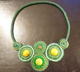 #beadedjewelry #beadednecklace