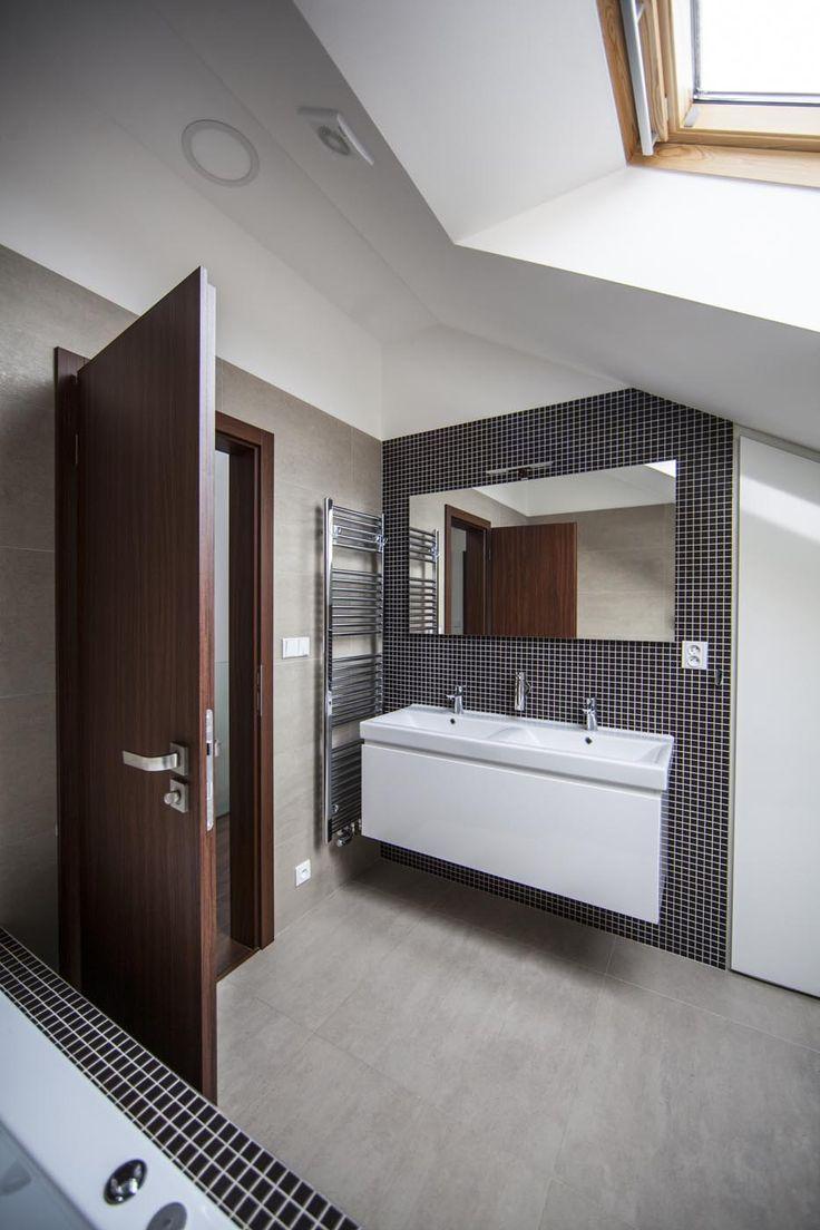 Realizace | Andrea Hylmarová #bathroom #mosaic #andrehylmarova