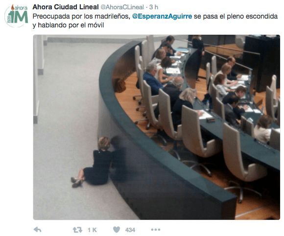 Twitter se burla de Esperanza Aguirre por llamar a Jimenez Losantos en mitad de un pleno | ZelebTV.es