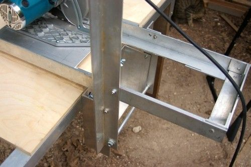 Track Saw by Bob Strawn -- Homemade track saw constructed from aluminum plate, aluminum angle, a circular saw, nuts, and bolts. http://www.homemadetools.net/homemade-track-saw-6