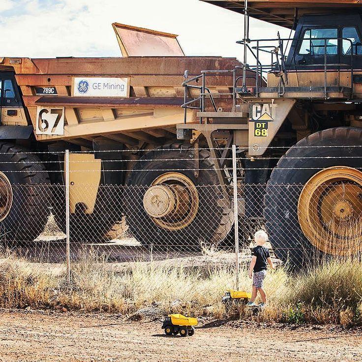 Dream big  #gushagoeswalkabout #exploreaustralia #wanderaustralia #wow_australia #itsamazingoutthere #cruising_Australia #trucks #dream #yellow