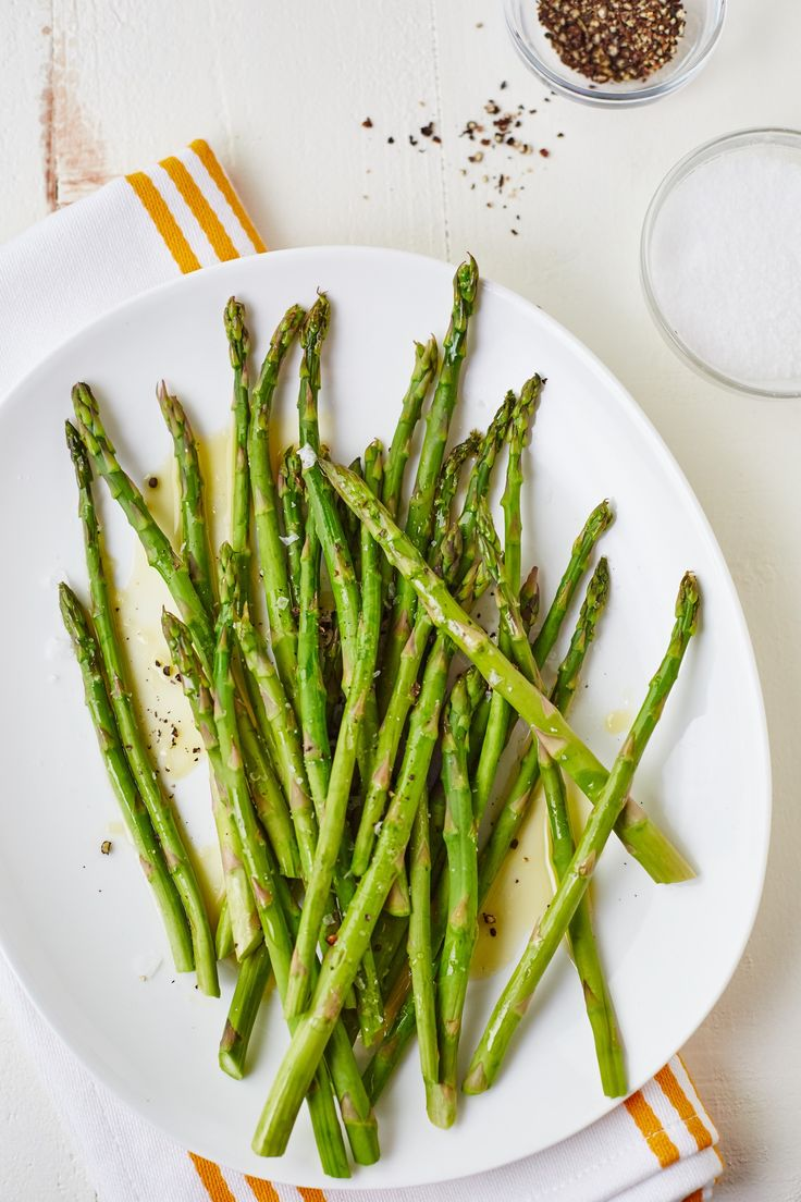 How To Steam Asparagus in the Microwave — Cooking Lessons from The Kitchn #recipes #food #kitchen