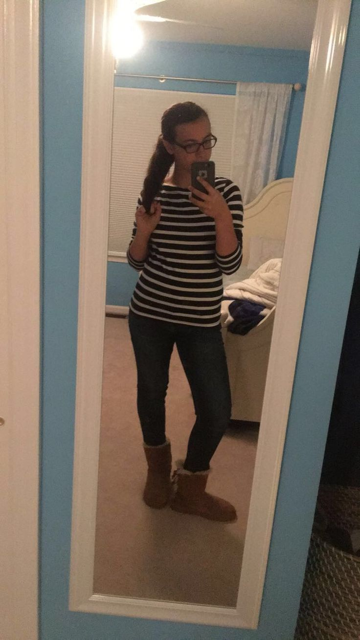 #Clothes #Stripes #Simple #Uggs #Jeans #Fall #Ponytail #Gap #AmericanEagle #Mirror #MirrorSelfie #Style #HighSchool #Freshman #Sophomore #Junior #Senior #Teen #Clothes