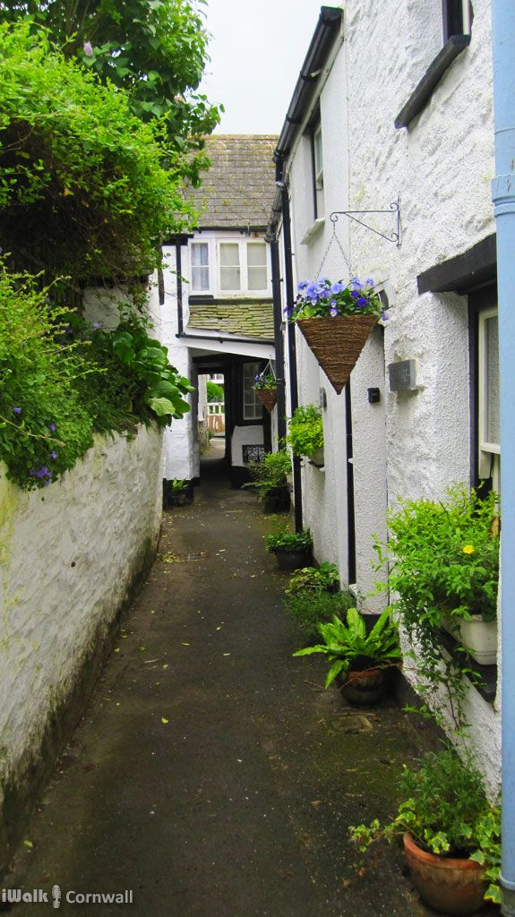 Temple Bar aka Squeeze-ee-Belly Alley, Port Isaac, Cornwall