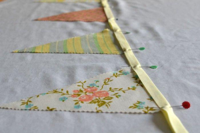 beschrijving vintage slingers maken van oude restjes stof