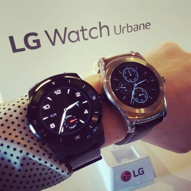 G Watch R with new buddy Watch Urbane at MWC2015