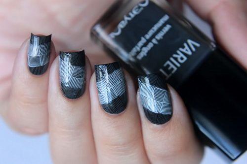 Summer 15DNC day 6: белые/серые ногти. Chanel Attraction : MANIMUNCHKIN