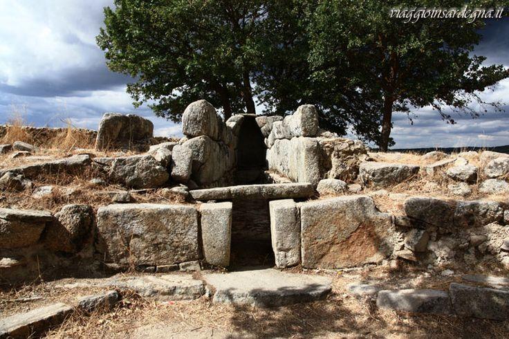 fonni, tomba di giganti madau C