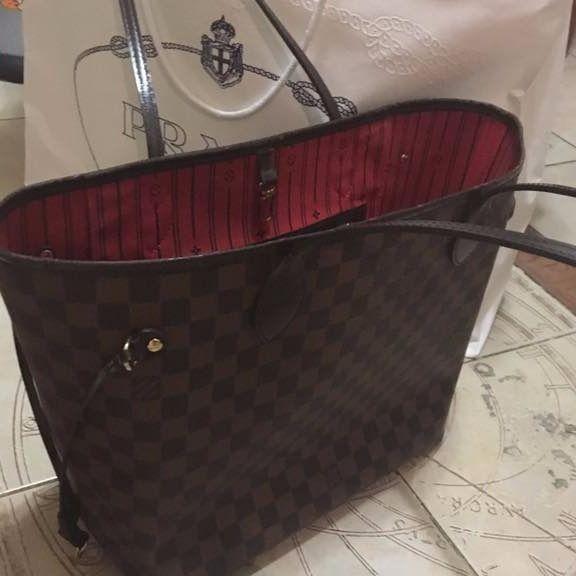 Resale Средние сумки Louis Vuitton купить и продать за 32000 руб в интернет-магазине Luxxy.com