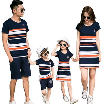 Family Matching Outfits 2017 summer Fashion Striped T-shirt Outfits Mother And Daughter Dresses And Father Son Baby Boy Girl