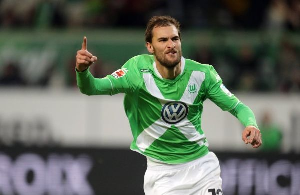 Klaus Allofs claims Bas Dost will stay with Wolfsburg despite alleged Newcastle talks - http://eplzone.com/klaus-allofs-claims-bas-dost-will-stay-with-wolfsburg-despite-alleged-newcastle-talks/