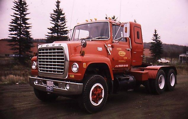 17 Best images about Semi Trucks on Pinterest | Semi ...