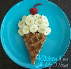 What? You don't make your kids grilled cheese look like an ice cream cone? Pffft!!!