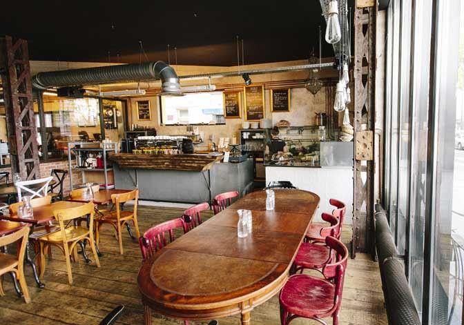Restaurant Café Lomi : coffee-shop, petite restauration, déco industrielle, brunch,... 3 ter, rue Marcadet - 18ème