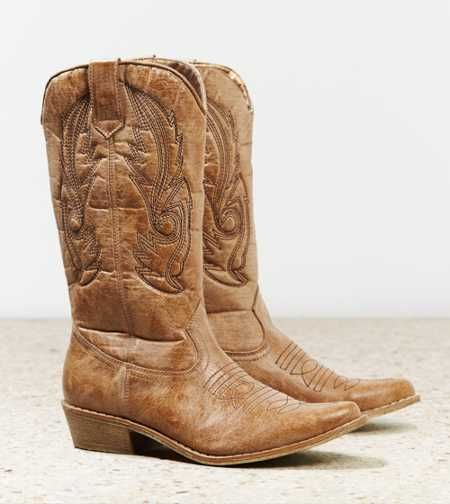 High heel cowboy boots for women exemplify rustic chic, and our tall western boots give denim shorts, rompers, mini skirts, midi skirts and skinny denims a kick of urban cowboy charm. Look for regular or wide calf styles that feature contrast stitching, asymmetrical zipper details, dual buckled straps and other eye-catching accents.