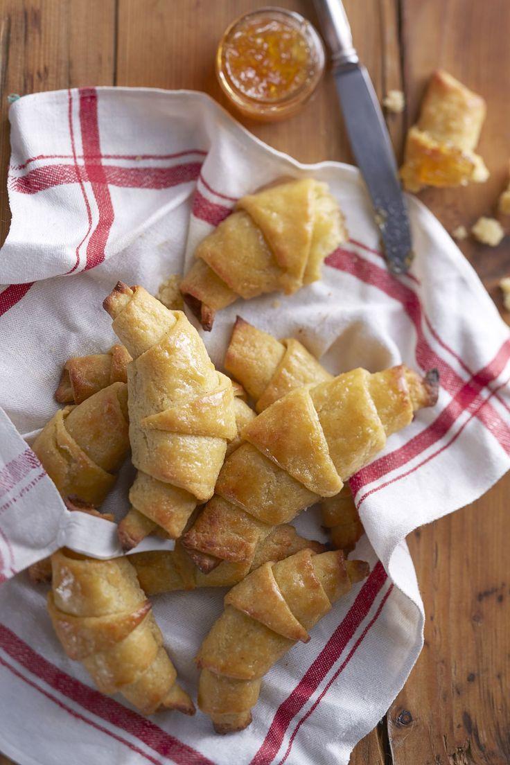 Kun gluteenittomat croissantit tehdään aitoa ranskalaista reseptiä mukaillen, syntyy kuohkeita ja päältä rapeita herkkuja, jotka vievät kielen...