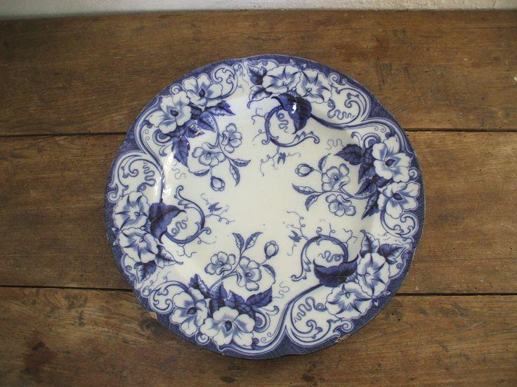 """Grand plat """" Creil & Montereau """" décor flora de la boutique BROCBAIEDESOMME sur Etsy"""