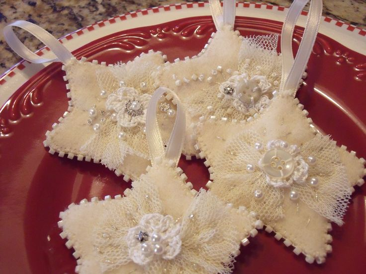 These are so fun to make Love the stars and the outline beading….that's enough for me as I love simple things.