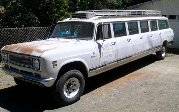 15 Passenger 4x4: 1972 International Harvester - http://www.barnfinds.com/15-passenger-4x4-1972-international-harvester/