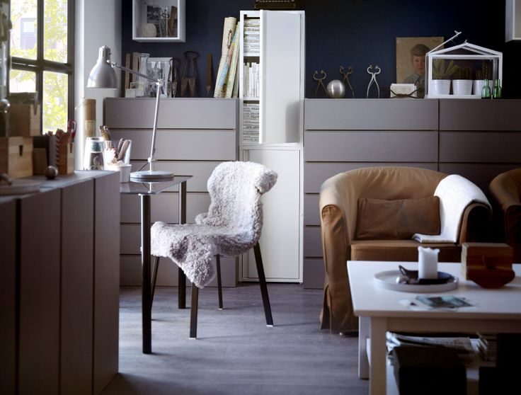 A lesson in work-life balance Here's an idea: with comfortable seating, good lighting and a few special touches, create a personalised zone that will keep you feeling inspired when you work from home. That way, getting to work will be just a little bit easier.