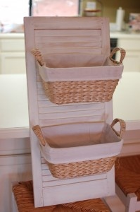 think i might use this in my kitchen pantry for kids snacks or bathroom cabinets for hair stuff:)