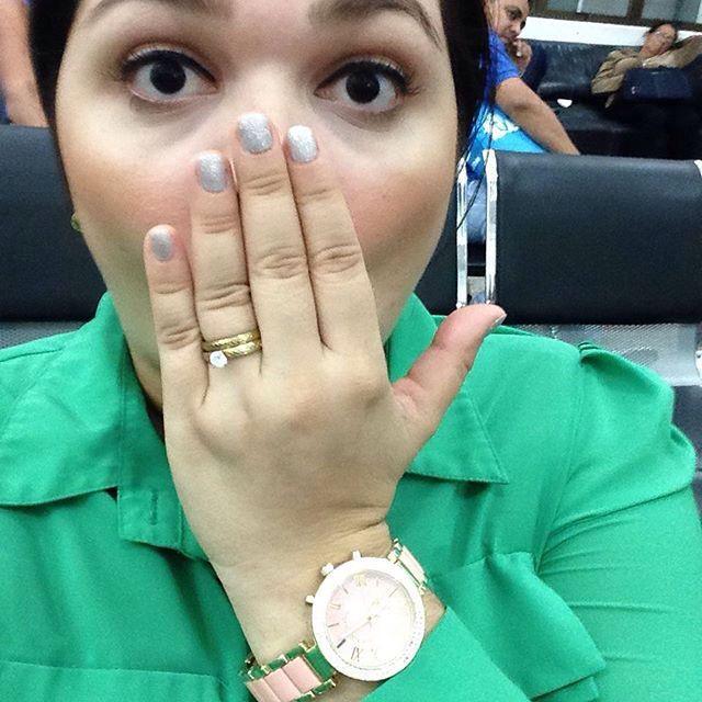 Repost: @tephiegarcia A minutos de conocer a mi sobrino  #ISAAC  Mi reloj de  @traedeusa  // DISPONIBLE EN BLANCO✌️ #clientesfelices #sobrino #24Agosto2015 #feliz #familia #loamo #yacasi