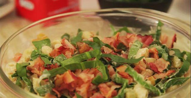 Ez az a saláta, ami garantáltan elfogy! Felrobban tőle a net (videó)