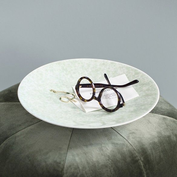 Use the beautiful Kähler dish as one of your home's unique small artworks or as part of a modern design tableau.