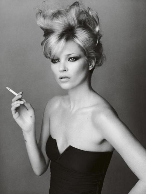 Smoking Celebrities | Kate Moss