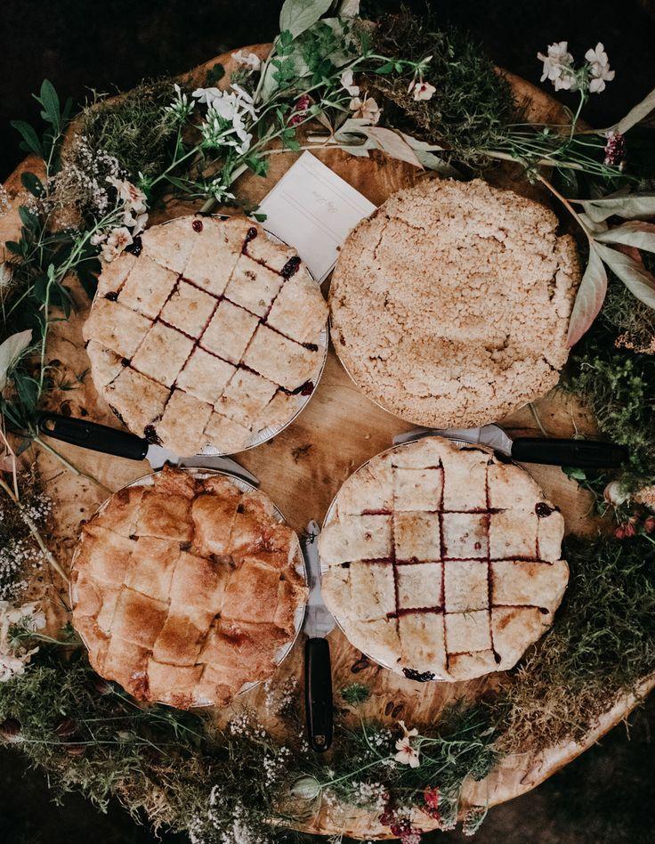 Don't like cake? Opt for something else, like wedding pies!